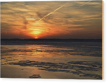 Wood Print featuring the photograph Sunset Over A Frozen Chesapeake Bay by Bill Swartwout