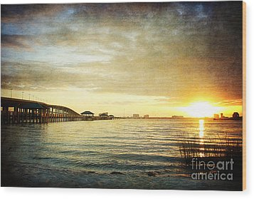 Sunset Over Biloxi Bay Wood Print by Joan McCool