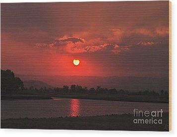 Sunset Over Hope Island Wood Print