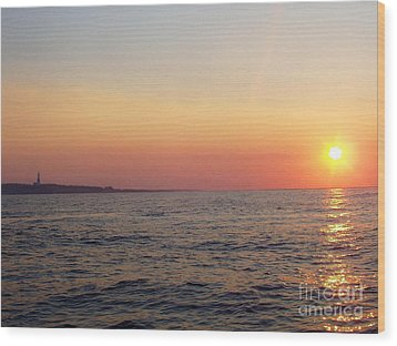 Wood Print featuring the photograph Sunset Over Montauk by John Telfer