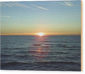 Sunset Over Sea Wood Print by Gordon Auld