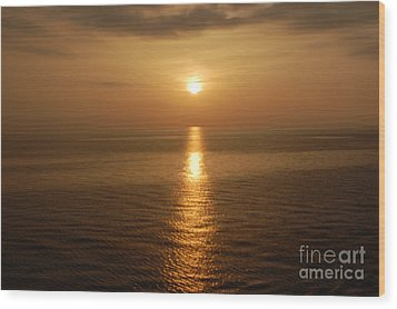 Sunset Over The Adriatic Wood Print by Linda Prewer