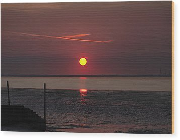 Sunset Over The Hampshire Coast Wood Print by Rod Johnson