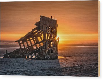 Sunset Peter Iredale Wood Print by James Hammond