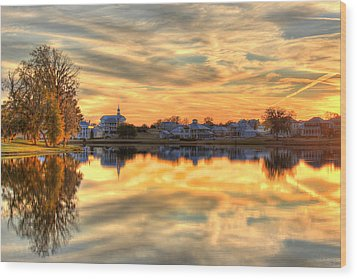 Sunset Reflections Wood Print by Leslie Kirk