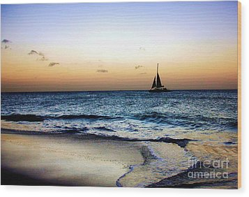 Sunset Sailing In Aruba Wood Print by Polly Peacock
