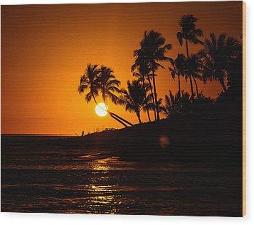 Sunset Through The Palm Trees Wood Print
