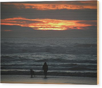 Sunset Walk Wood Print by David Quist