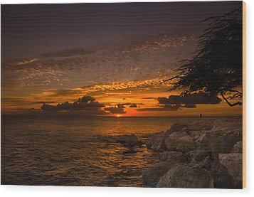 Sunset With The Fisherman Wood Print by Tin Lung Chao