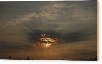 Sunsets On Empire Wood Print
