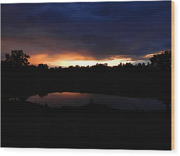 Sunsets Reflection Wood Print by Linda Brown