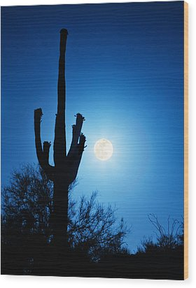 Super Full Moon With Saguaro Cactus In Phoenix Arizona Wood Print