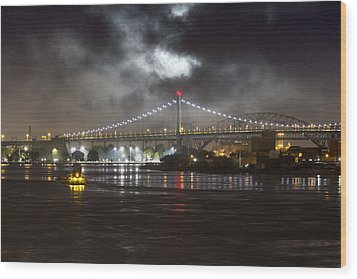 Super Moon And Triboro Bridge Wood Print by Dave Beckerman