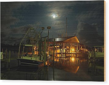 Super Moon At Nelsons Wood Print by Michael Thomas