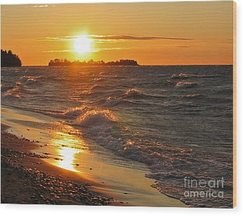 Superior Sunset Wood Print by Ann Horn