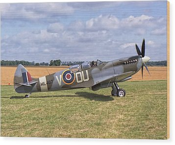 Wood Print featuring the photograph Supermarine Spitfire T9 by Paul Gulliver