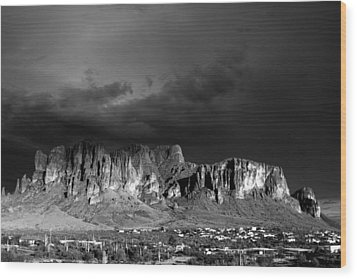 Superstition Mountain Wood Print by Maxwell Amaro
