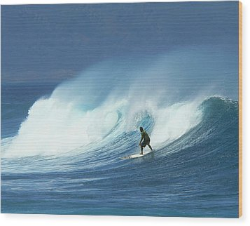 Surfer Catches A Good Ride Wood Print