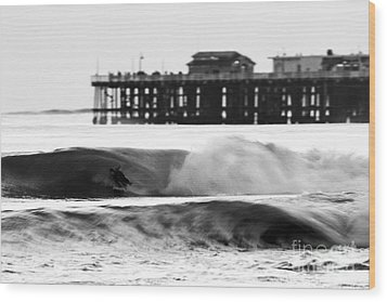 Surfer In Motion Wood Print by Paul Topp