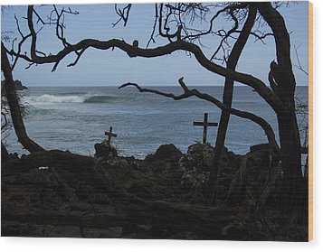 Surfers Resting Grounds Wood Print by Brad Scott