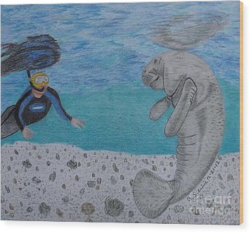 Swimming With The Manatee Wood Print by Gerald Strine