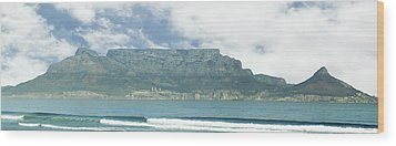Table Mountain Wood Print by Tom Hudson