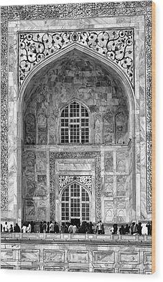 Taj Mahal Close Up In Black And White Wood Print