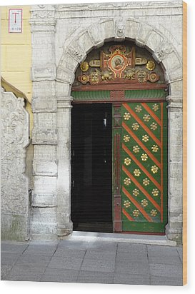 Tallinn Doorway Wood Print