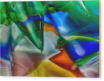Talons Verde Wood Print by Omaste Witkowski