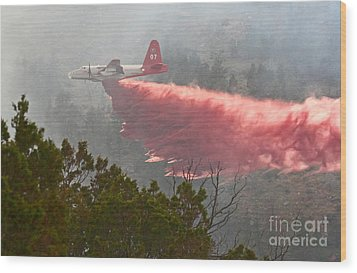 Tanker 07 On Whoopup Fire Wood Print