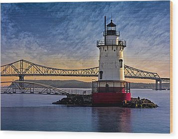Tarrytown Light Wood Print by Susan Candelario