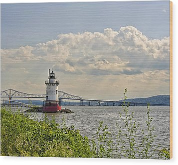 Tarrytown Lighthouse And Tappan Zee Bridge Sleepy Hollow Ny Wood Print