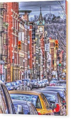 Taxi Wood Print by Daniel Sheldon