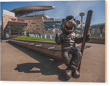 T.c. Statue And Target Field Wood Print