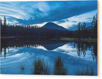 Teapot Lake Wood Print by Darryl Wilkinson
