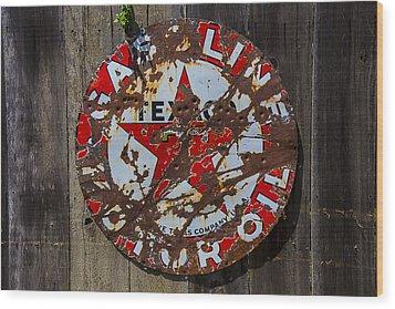 Texaco Sign Wood Print by Garry Gay