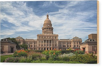 Texas State Capitol II Wood Print by Joan Carroll