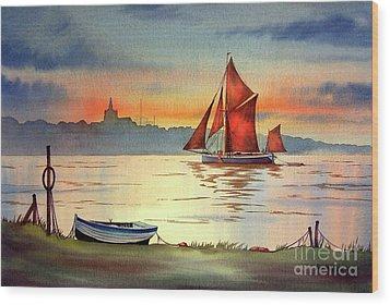 Thames Barge At Maldon Essex Wood Print