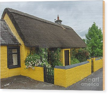 Thatched House Ireland Wood Print