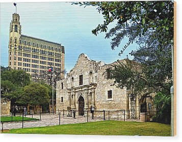 Wood Print featuring the photograph The Alamo by Ricardo J Ruiz de Porras