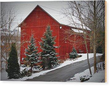 The Barn In Wintertime Wood Print by Jeanne Geidel-Neal