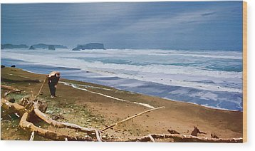 The Beach Comber Wood Print by Dale Stillman