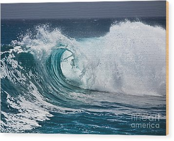 The Beautiful Wave Wood Print by Boon Mee