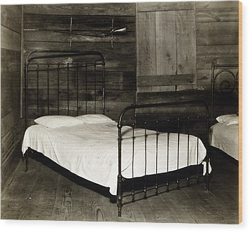 The Bedroom Of Floyd Burroughs, Cotton Wood Print by Everett