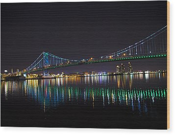 The Ben Franklin Bridge At Night Wood Print by Bill Cannon