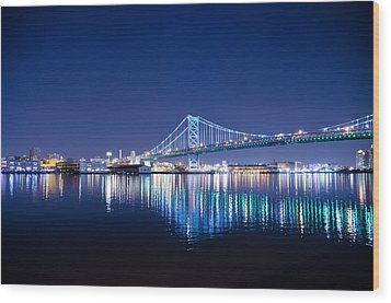 The Benjamin Franklin Bridge At Night Wood Print by Bill Cannon