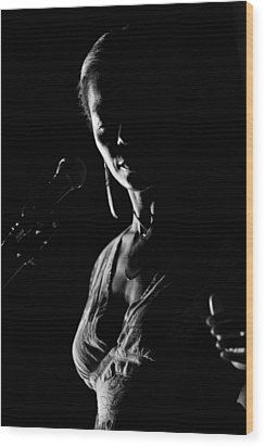 The Blues Singer Wood Print by Goyo Ambrosio