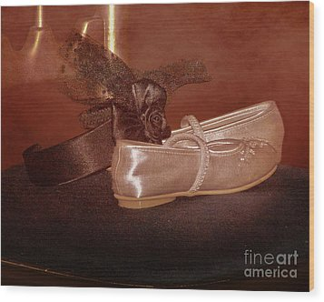 The Bridesmaid's Shoes Wood Print by Terri Waters