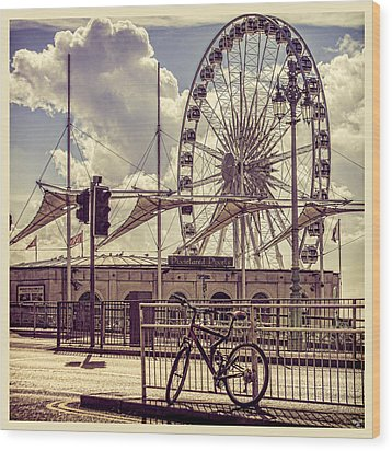 Wood Print featuring the photograph The Brighton Wheel by Chris Lord