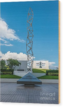The Challenger Memorial - Bayfront Park - Miami Wood Print by Ian Monk